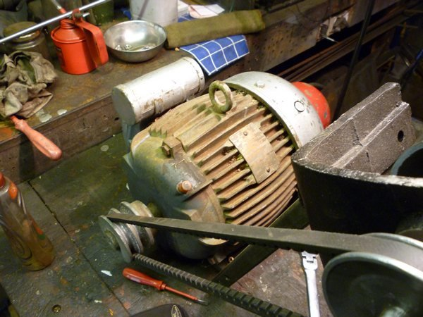 linisher motor 007tn_.JPG