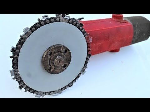 chainsaw.jpg.296f86797e8b691af380828775e0c7d7.jpg
