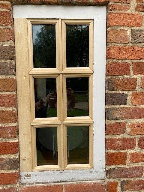 windowx.jpg